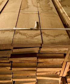 Sawn Prime Two-Square Edged Oak 27mm (per cubic foot)